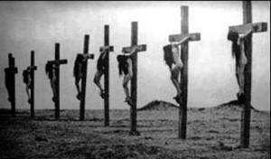 Photo de la crucifixion de filles arméniennes